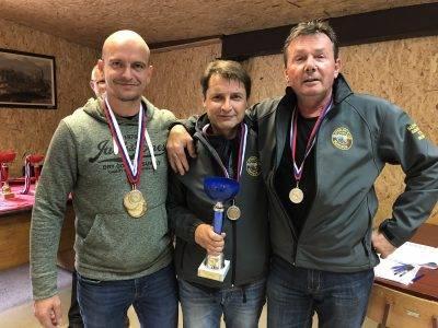 Revolver 2. mesto SK Maribor: Gomivnik, Voglar, Miklavc